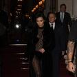 Kim Kardashian spet premika meje modnega (ne)okusa