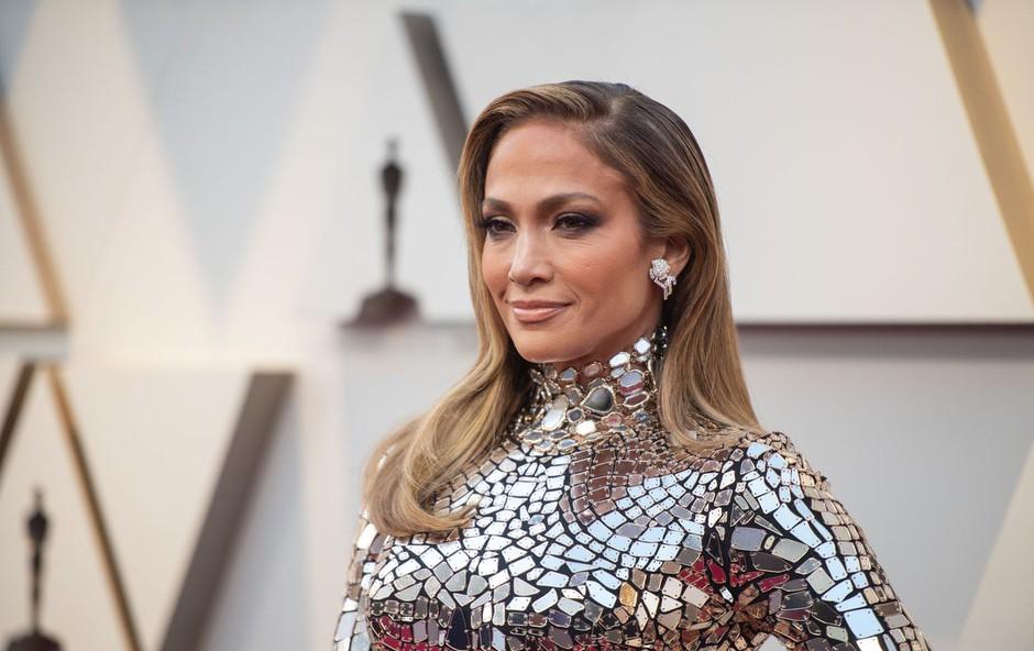 Jennifer Lopez presenetila s krajšo pričesko! (foto: Profimedia)
