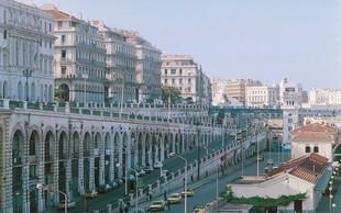 Alžirci protestirajo proti peti kandidaturi sedanjega predsednika Abdelaziza Bouteflike