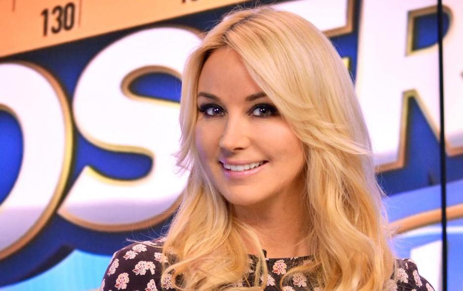 Pevka Saša Lendero je s polno mero  energije in motiviranosti začela nov  televizijski podvig na komercialni  televiziji Planet TV. (foto: PLANET TV)
