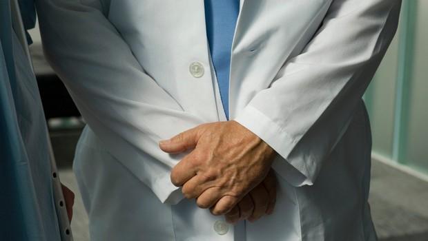 Zdravnik za otipavanje mladoletne bolnice dobil 18-mesečno pogojno zaporno kazen (foto: Profimedia)