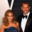 """Bivši igralec bejzbola po zaroki opozarja Jennifer Lopez: """"Ne veš, kdo je on!"""""""