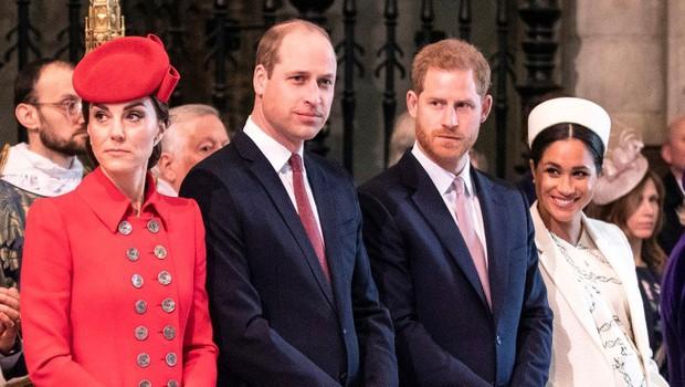 Vojvodinji sta se prijateljsko poljubili. Očitno zamer med njima ni! (foto: Profimedia)