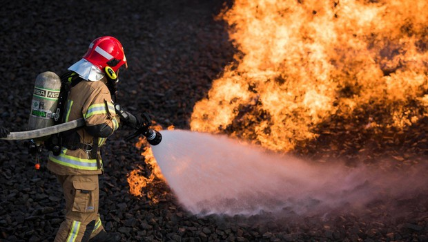 Nemčija: Hud požar uničil krematorij, a so trupla ostala nedotaknjena (foto: Profimedia)