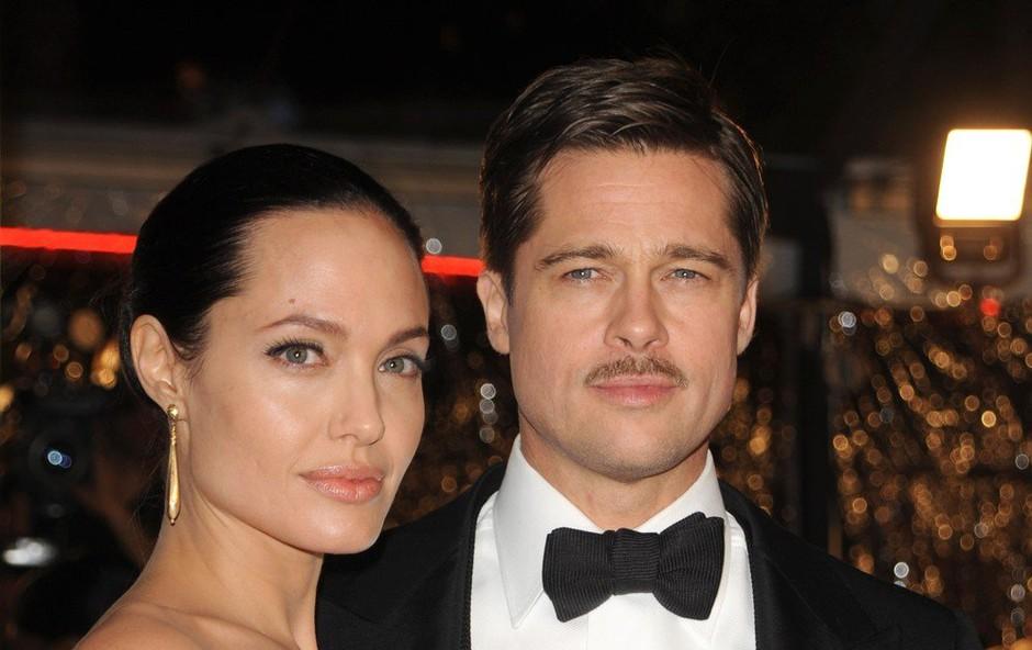 Brad Pitt in Angelina Jolie bosta kot kaže, še kar nekaj časa poročena (foto: Profimedia)