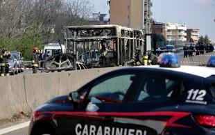 Voznik v Italiji zažgal šolski avtobus z več kot 50 otroki