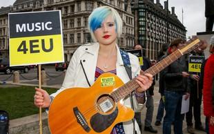 Množičen obisk peticije za preklic brexita sesula spletno stran britanskega parlamenta
