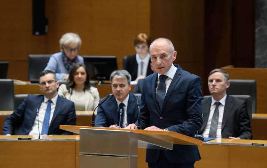Novi zdravstveni minister Aleš Šabeder zadovoljen z izkazano podporo (foto: Nebojša Tejić/STA)