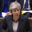 Theresa May zaradi brexita v odstopu?