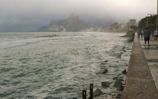 Neurje, ki je prizadelo Rio de Janeiro, terjalo najmanj 10 žrtev