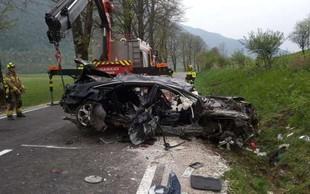 Huda nesreča pri Kobaridu terjala tri življenja, voznik težko poškodovan