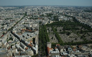 V Parizu proti onesnaženju z 800 električnimi avtobusi