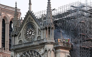 Požar v pariški katedrali Notre Dame pogašen, Francozi obljubljajo donacije!