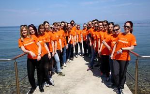 Prostovoljci Novartisa urejali letovišče v okviru pobude Pomežik soncu®