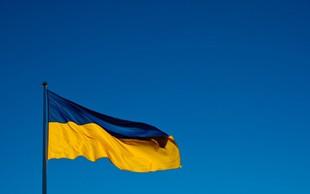 Predsedniški kandidat Volodimir Zelenski si je prislužil globo, ker je javno pokazal glasovnico