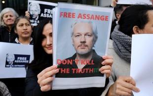 Juliana Assangea v zaporu obiskal predstavnik ZN