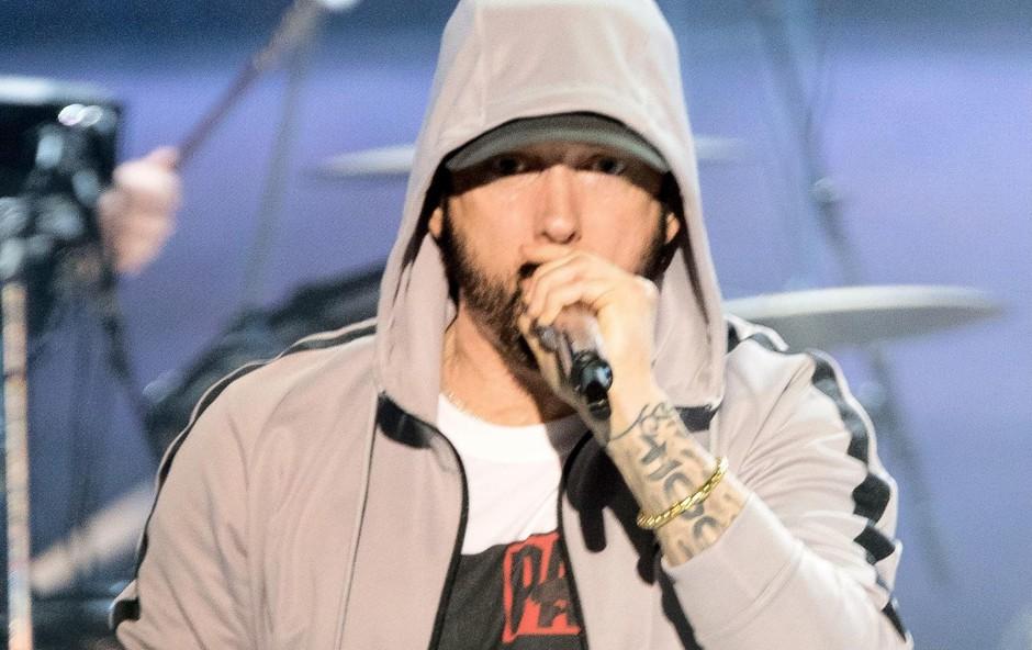 Eminem v elementu na odru,  kjer se najbolje počuti. (foto: Profimedia Profimedia, Temp Rex Features)