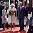 Nemški predsednik z medvedkom za zadnji britanski kraljevi naraščaj