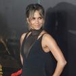 Halle Berry je 53. rojstni dan obeležila z izzivalno sliko brez modrčka!