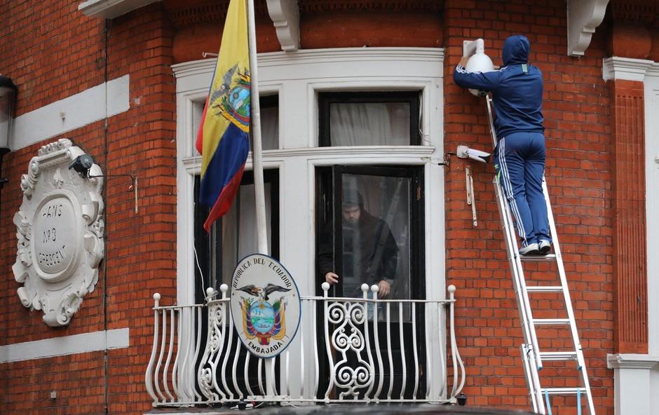Ekvador ZDA odobril preiskavo Assangeove sobe; ta bo uradno 20. maja! (foto: profimedia)