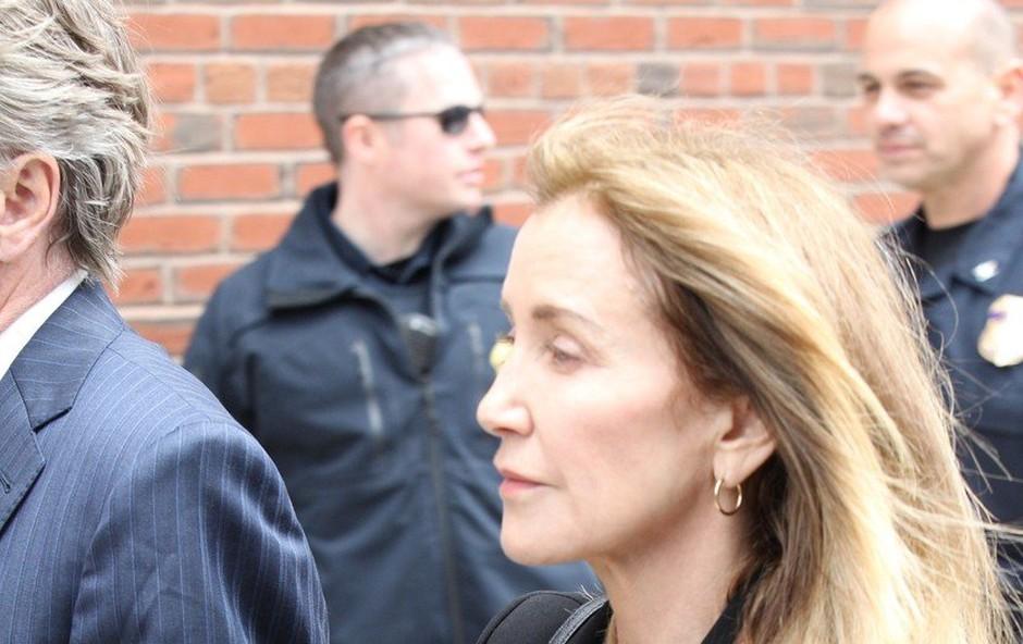 Felicity Huffman priznala sodelovanje v zaroti s podkupninami pri vpisu otrok na univerze (foto: profimedia)