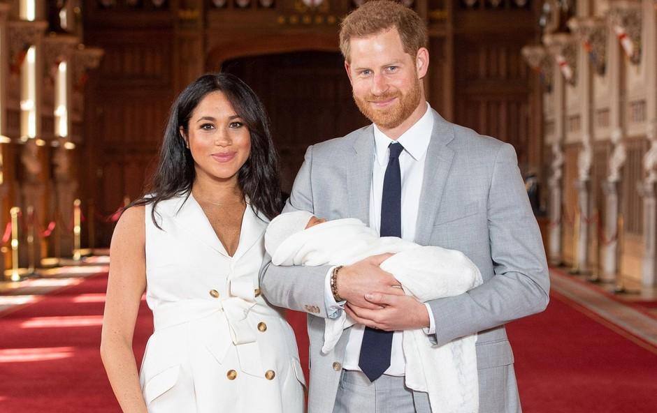 Srečna starša, Meghan in Harry, s prvorojencem Archiejem Harissonom. (foto: Profimedia Profimedia, Mega Agency)