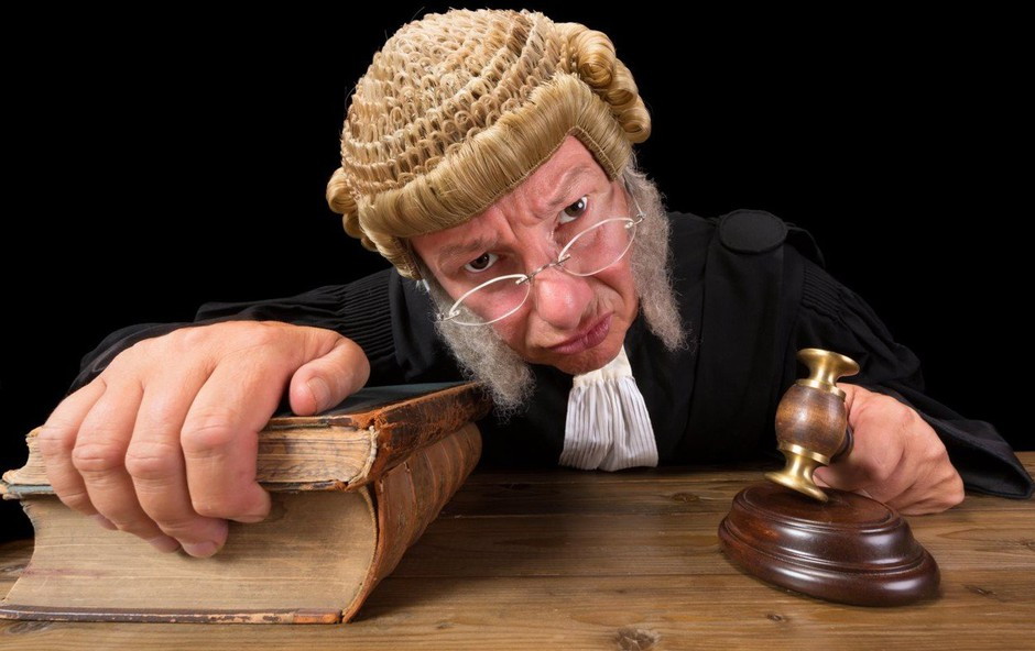 Potrebujete brezplačni pravni nasvet? Pišite nam in dobili ga boste! (foto: Profimedia)