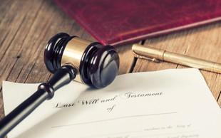 """Pravno vprašanje: """"Mora biti oporoka zares napisana na roko?"""""""