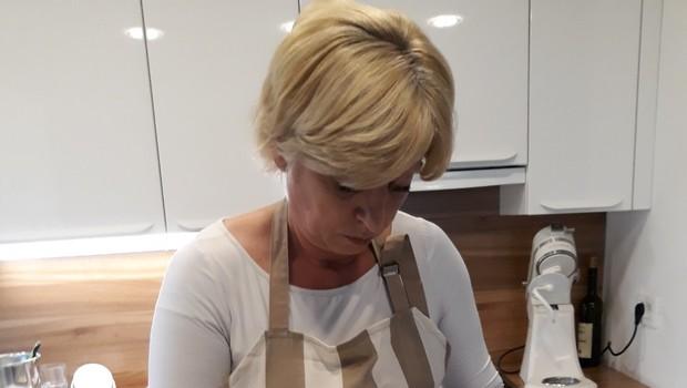 Romana Tomc: Sladkosneda kandidatka za poslanko v evropskem parlamentu prisega na štrudelj (foto: Osebni arhiv)