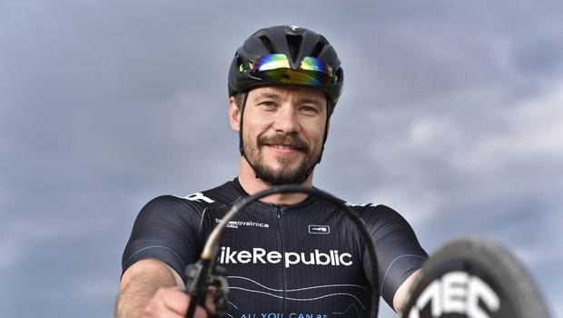 Primož Jeralič (športnik in motivator) o posledicah smučarskega padca (foto: Igor Zaplatil)