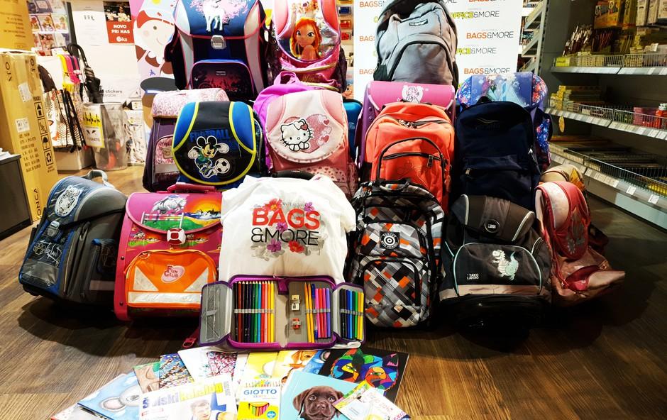 Šolarjem iz socialno šibkih družin brezplačne šolske potrebščine in torbe (foto: minicity press)