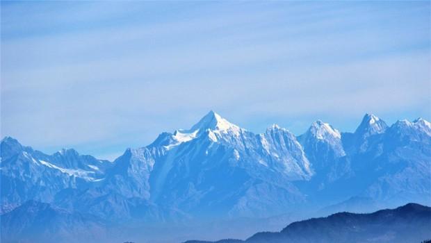 V pogorju Himalaje rešili štiri alpiniste, osem je pogrešanih (foto: profimedia)