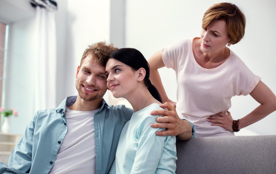 Lojalnost staršem: Na prvem mestu mama, šele nato žena (foto: Shutterstock)