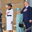 Na dan prišlo, kaj je Melania Trump podarila kraljici Elizabeti