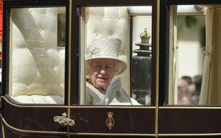 Na 93. rojstni dan kraljice Elizabete se je prvič po porodu v javnosti pojavila Meghan Markel