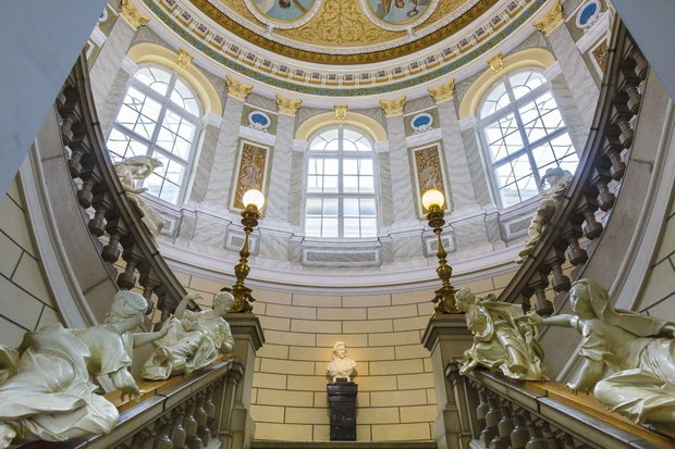 Poletna muzejska noč bo ponovno odprla vrata muzejev in galerij (foto: profimedia)