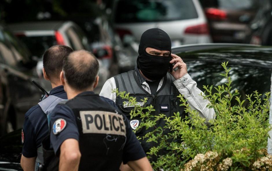 V Franciji aretirali neonaciste, ki so načrtovali napade na Jude in muslimane (foto: profimedia)