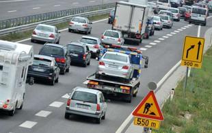 Vozniki, pozor: Zaradi praznika v nekaterih državah je močno povečan promet na slovenskih cestah