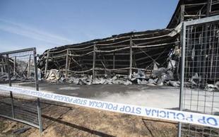 Po požaru v Fragmatu odstranili požarno vodo