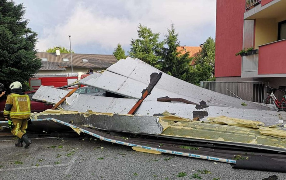Veter in obilne padavine po državi še povzročajo težave (foto: PGD Ptuj)