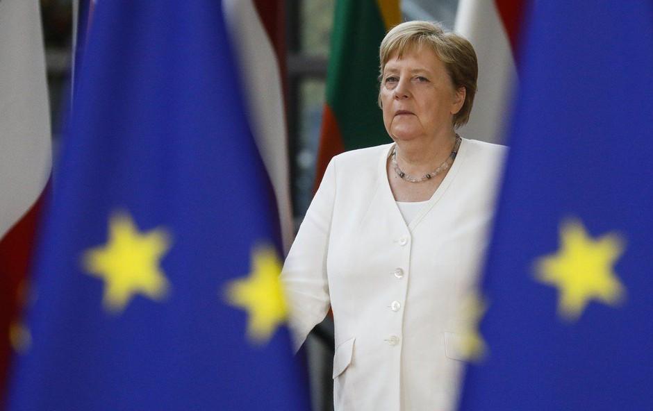Angela Merkel se je znova tresla, že tretjič v zadnjih dobrih treh tednih (foto: Profimedia)
