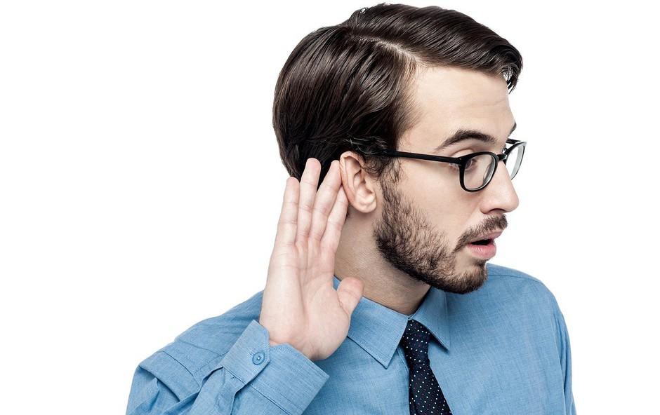 Googlovi podizvajalci snemajo in poslušajo, kar govorite v svoje pametne naprave! (foto: profimedia)