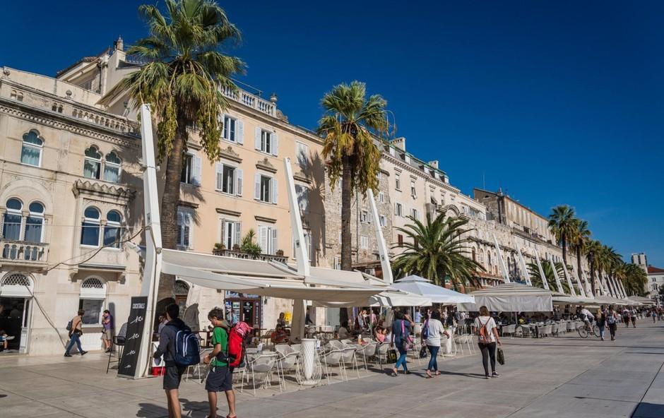 Turisti v Splitu niso hoteli plačati računa, gostincu pa grozili z negativnimi ocenami na Trip Advisorju! (foto: Profimedia)