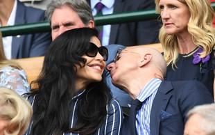 Jeff Bezos na Wimbledonu z dekletom, ki ga je stalo milijone!