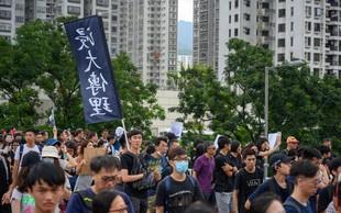 V Hongkongu ulice spet polne protivladnih  protestnikov