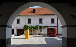 Projekt Plasti časa za sodobno prenovljeno dvorišče Gradu Fužine