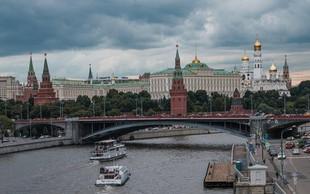 Kljub množičnim aretacijam Moskovčani vztrajno protestirajo