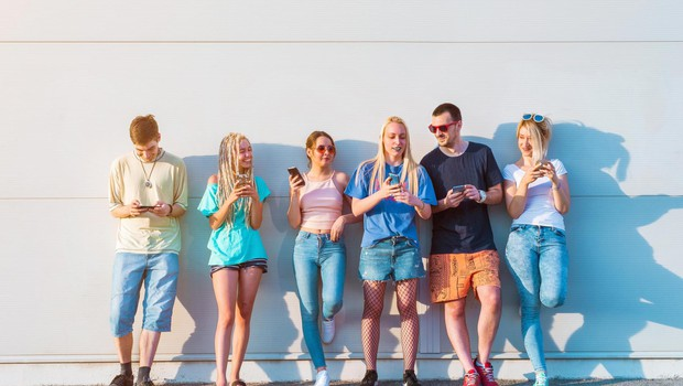 Današnji 20-letniki so predstavniki generacije Z oziroma e-generacija (foto: Profimedia)