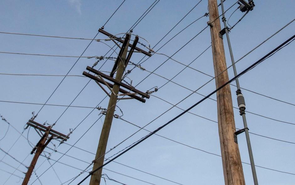 Več delov Velike Britanije se sooča z električnim mrkom (foto: profimedia)