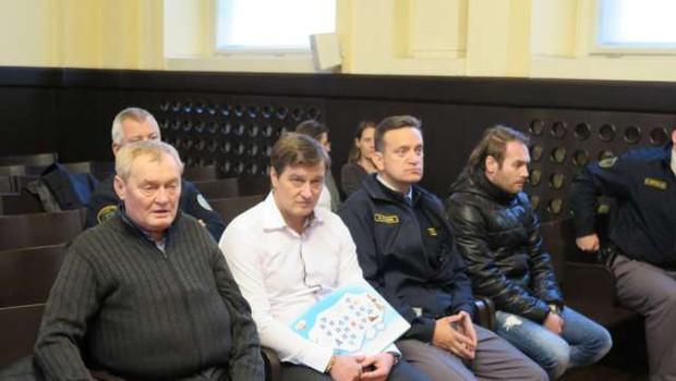 V Mariboru so na sojenju o nezakonitih centrih zavrteli telefonske prisluhe (foto: STA/Andreja Seršen Dobaj)